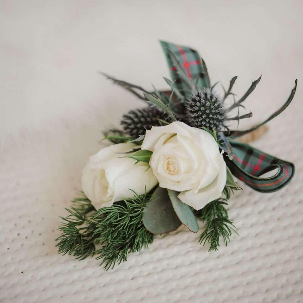 button hole flower white tartan