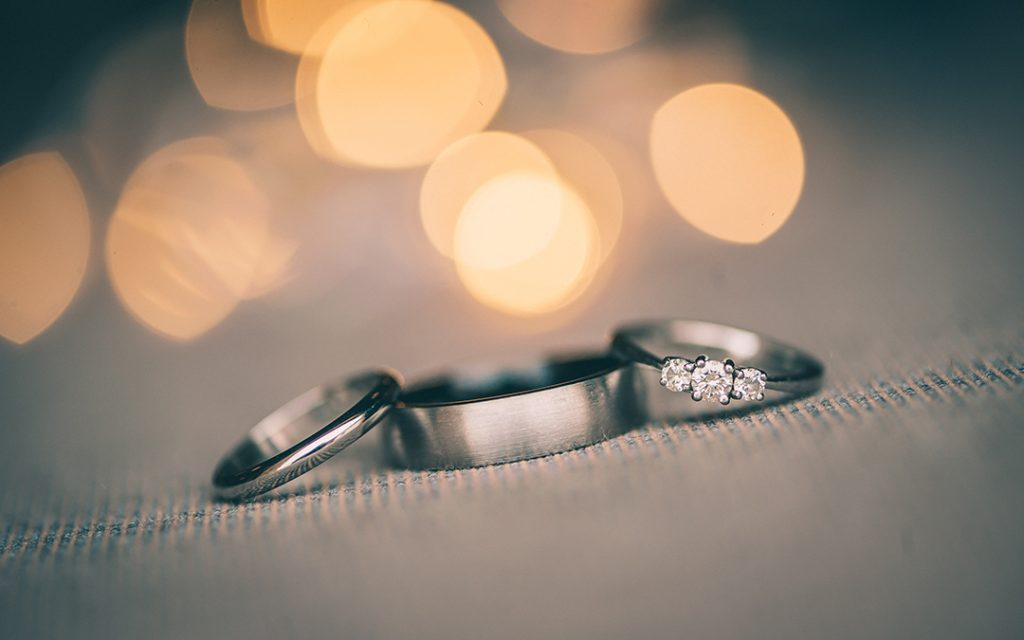 silver wedding ring photography