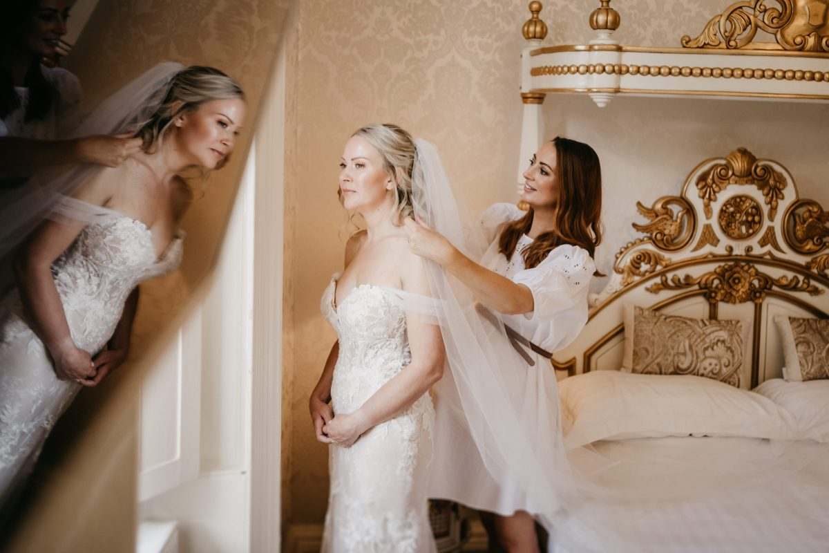 HIRST PRIORY WEDDING GUIDE 9