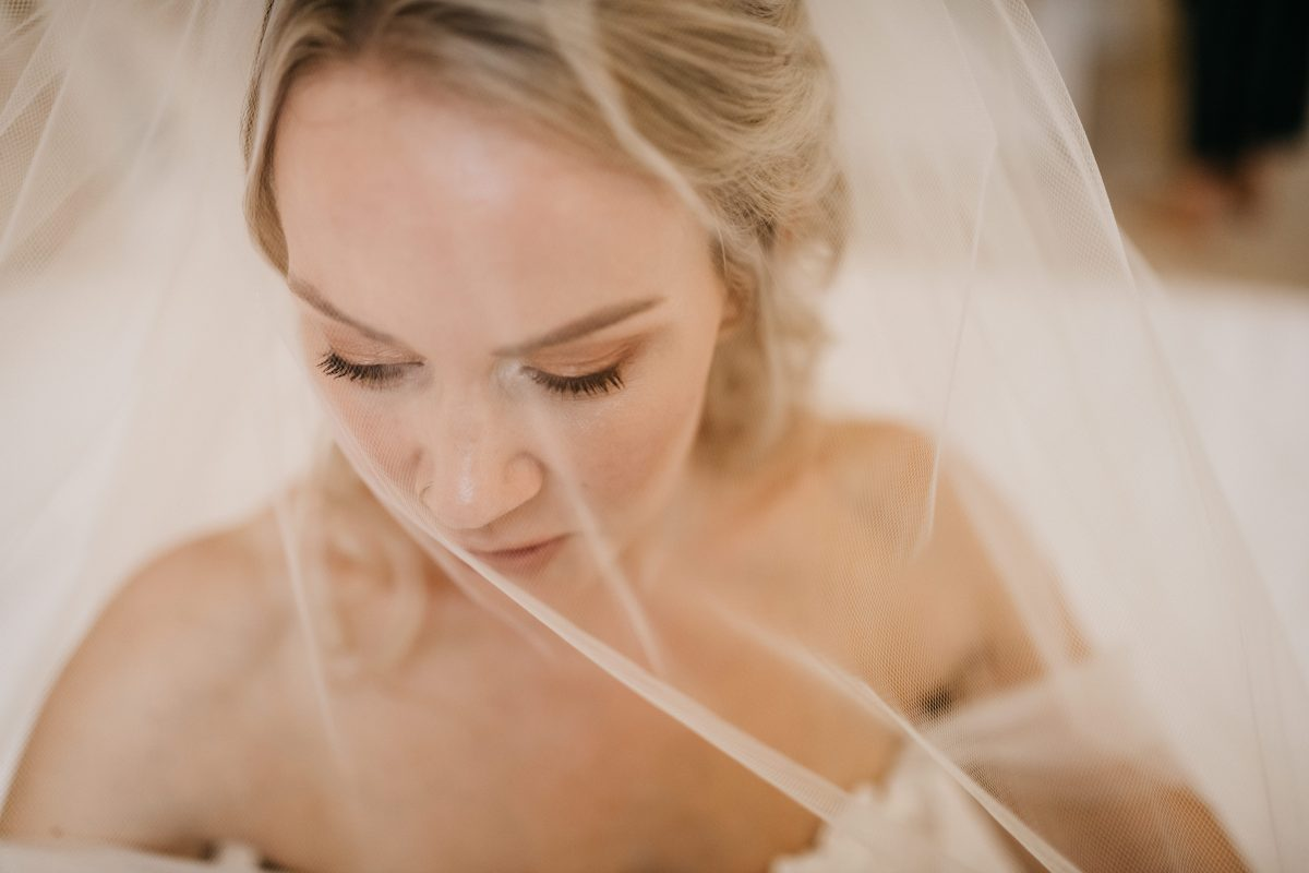 HIRST PRIORY WEDDING GUIDE 10